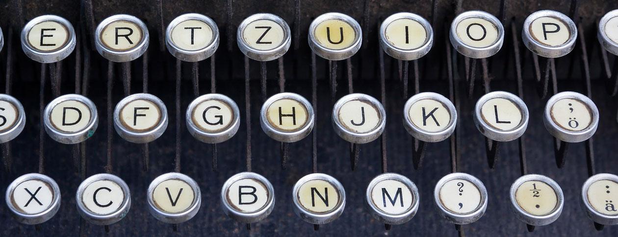 1260-typewriter-464746_1280