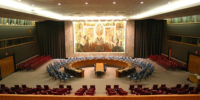 The United Nations Security Council Chamber in New York. Photo by Patrick Gruban, 2006. Creative Commons License via Wikimedia Commons.