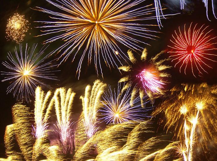 800px-Firework_photomontage
