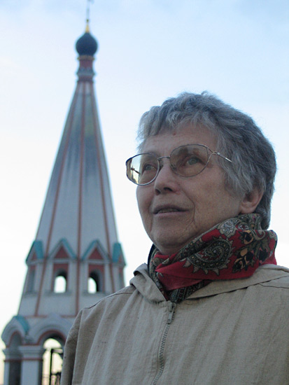 "Natalya Gorbanevskaya at the balcony of the library ""Russian abroad"", in front of the bell of the Church of Saint Nicholas the Wonder-Worker on Bolvanovka Street"