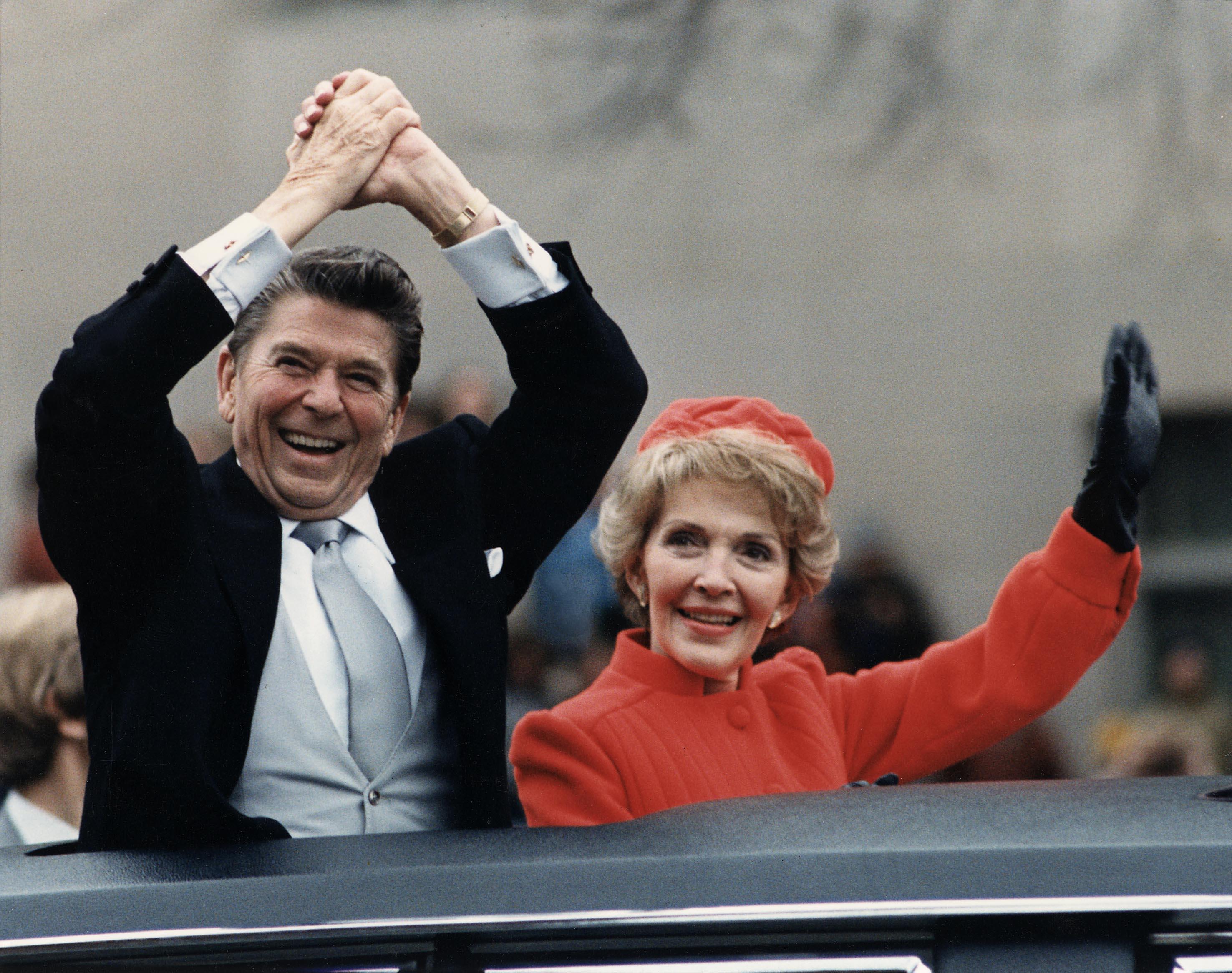 Reagans waving 1981