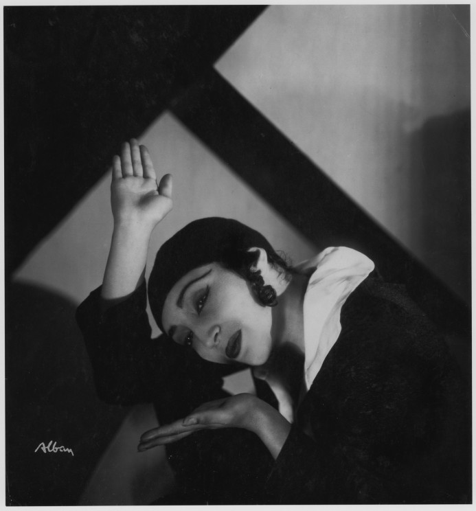 Pauline Koner in <i>Chassidic Song and Dance</i> (1931). Photograph: Aram Alban. Courtesy of the Jerome Robbins Dance Division, the New York Public Library for the Performing Arts, Astor, Lenox and Tilden Foundations.