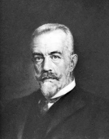 Theobald von Bethmann Hollweg, Chancellor of the German Empire, 1909-1917. Public domain via Wikimedia Commons.