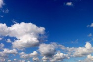 1280px-Cloud_sky_over_Brest
