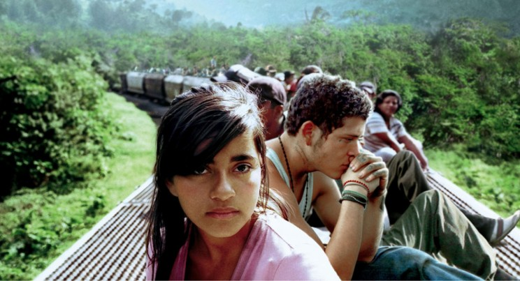 Paulina Gaitan (left) and Edgar Flores (right) star in writer/director Cary Joji Fukunaga's epic dramatic thriller Sin Nombre, a Focus Features release. Photo credit: Cary Joji Fukunaga via Focus Features