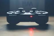 1260-video-controller-336657_1280