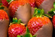 1260-chocolatestrawberries