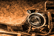 Photo Camera Photography Old Retro Film Photo by PublicDomainPictures, CC0 1.0 Universal (CC0 1.0) via Pixabay.