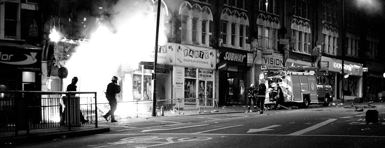 causes of the london riots London riots were motivated by poverty by which centers around the socio-economic causes for the riots and what we can do to in london throughout the riots.