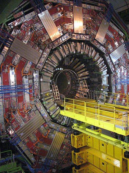 How to see inside a pyramid: the power of the mysterious Muon